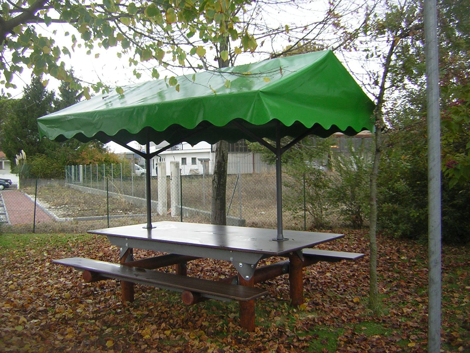 Tavoli con piano in cementolegno Interasco